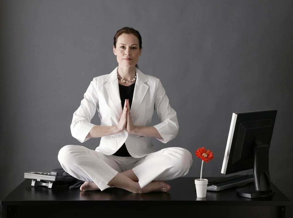 Yoga, donna in carriera